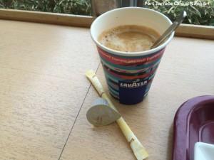 コーヒーはLAVAZZA