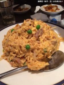 餃子・王 牛肉と卵の炒めもの