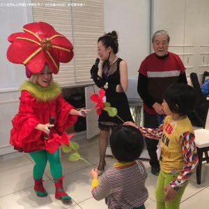 ビスカスの女王ピンQさん、まりスさん、大海赫先生と可愛い子供たち。